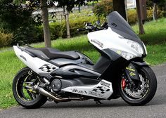 Planet Japan Blog: Yamaha TMax by Scooter Tribe