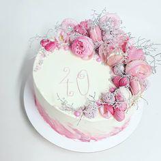 """8 To se mi líbí, 3 komentářů – Sladká Chaloupka (@sladka_chaloupka) na Instagramu: """"Růžové růže💗💗💗 #ruzoveruze #dortskvety #dortsruzemi #narozeninovydort #dortprodamu  #rosacake…"""" Cake, Desserts, Food, Pie Cake, Tailgate Desserts, Pie, Deserts, Cakes, Essen"""