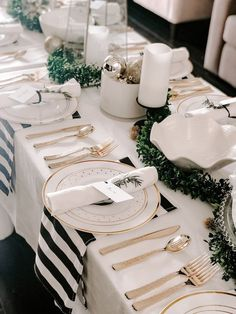 An elegant black, white and gold table setting for your New Year's Eve tablescape or other holiday tablescape! This black and white tablescape is stylish and elegant. Gold Christmas Decorations, Christmas Table Settings, Christmas Tablescapes, Wedding Table Settings, Holiday Tablescape, New Years Eve Decorations, Christmas Candles, Tree Decorations, Black White And Gold Christmas