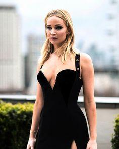Scarlett Johansson, Jennifer Laurence, Jennifer Lawrence Pics, Glamour Makeup, Beautiful Celebrities, Beautiful Women, Woman Crush, Hollywood Actresses, Sexy Outfits