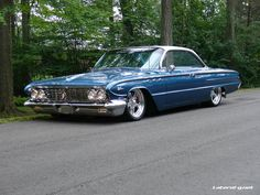I want to have a car collection, and this in it! Vintage Cars, Antique Cars, Buick Wildcat, Buick Lesabre, Buick Skylark, Buick Cars, Gm Car, American Classic Cars, Sweet Cars