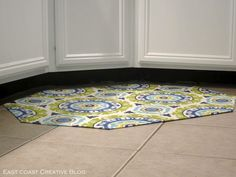 I Am Momma – Hear Me Roar: DIY Fabric-covered cushioned Floorclothg – Kitchen Rugs sink Best Flooring For Kitchen, Best Kitchen Sinks, Cool Kitchens, Crafts To Do, Home Crafts, Diy Home Decor, Thrifty Decor, Diy Crafts, Decor Crafts