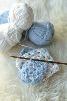 blue and white wool Bleu Pale, Color Celeste, Country Blue, White Cottage, Blue Aesthetic, Pretty Pastel, My Favorite Color, Blue Bird, Shades Of Blue