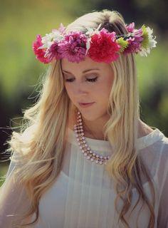 DIY Flower Crown (Fashionista Bride)