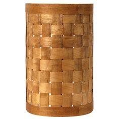 Tok&Stok - W LUMINÁRIA TRANÇA CILÍNDRO 127/220V Luminária para parede, 127/220V, com estrutura em madeira maciça de reflorestamento (Pinus Elliotti) revestida com lâmina de madeira (Embuia) trançada, com acabamento em verniz selador.