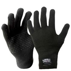 These high-tech waterproof gloves are ideal for outdoor activities even in the wettest conditions.