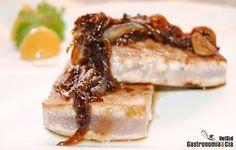 Atún encebollado con soja, mostaza y miel Le Diner, Spanish Food, Creative Food, Tapas, Catering, Main Dishes, Seafood, Food Porn, Food And Drink