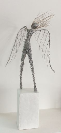 My take on the much admired wire sculptor Rachel Ducker! By Wendy Lacey