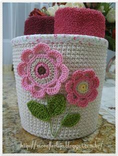 acquiert croche cachepoo résultat visuel - Just DIY Crochet Bowl, Love Crochet, Crochet Gifts, Crochet Flowers, Knit Crochet, Crochet Motifs, Crochet Patterns, Crochet Jar Covers, Confection Au Crochet