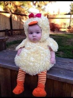 So Cute Baby, Cute Babies, Cutest Babies Ever, Baby Duck Costume, Duck Costumes, Animal Costumes, Babies In Costumes, Baby Chicken Costume, Mom And Baby Costumes