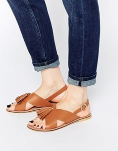 Sandalias de cuero con borlas FOXTROT de ASOS