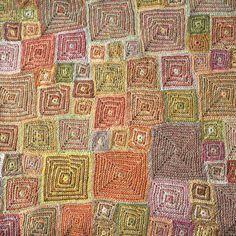 """Grande écharpe lin Sophie Digard, modèle """"OP"""" dans des tons de doux automne : orange, ficelle, verts tendres"""