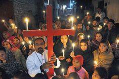 A Multan au Pakistan, des chrétiens se montrent solidaires de leurs frères de Quetta (photo : Faisal Kareem / EPA MAX PPP) Le bilan de l'attentat-suicide qui a visé dimanche une église de Quetta au Pakistan, faisant 11 morts et 50 blessés, aurait pu être...