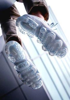 Nike AIR VAPORMAX PLATINUM (via Kicks-daily.com)