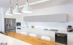 Modern kitchen Apartmant - Hod HaSharon Interior design: Shimrit Kaufman (SK Designers)  Photography: Avishai Fiklestein