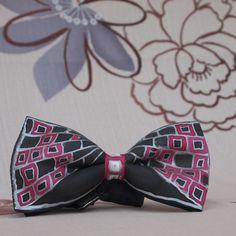 Motýlek pro pány. Silk Painting, Ties, Handmade, Fashion, Tie Dye Outfits, Moda, Hand Made, Neck Ties, Fashion Styles