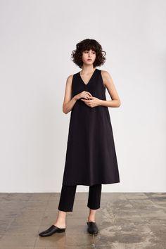 5Donna Herringbone DressStina Stretch Cotton Pants
