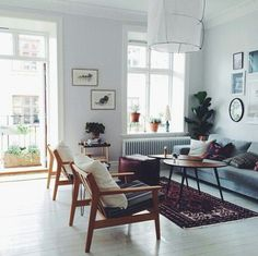 Mid-century living room | www.livingroomideas.eu #midcenturylivingroom #midcenturyfurniture #midcenturylighting #livingroomideas #livingroomdecor