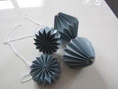 Plissee Anhänger,Origami Deko,Papieranhänger,Set von MAL DIES, MAL DAS auf DaWanda.com