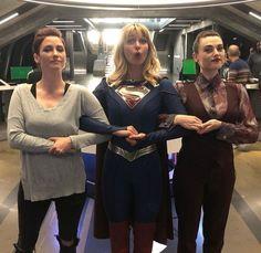 "The supergirl trinity strike againEveryone say ""thank u Jesse"" Supergirl Alex, Supergirl Season, Kara Danvers Supergirl, Supergirl Comic, Supergirl And Flash, Watch Supergirl, Supergirl Drawing, Supergirl Outfit, Katie Mcgrath"