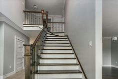 2-Tone Stairs with Plain & Single Knuckle Metal Balusters