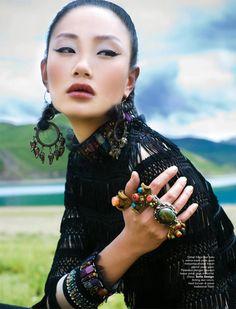 Modelo: Zhang Fan - Magazine:Harper's Bazaar Indonesia - Fotos:Nicoline Patricia Malina - Lugar: Tibet