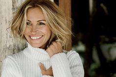 Pepper Julia Roberts with beauty questions, and the star's answers show that she's shrewd, sweet, and self-sufficient. She's also surprisingly up front about more-personal aspects of her routine, like why she prefers being a blonde and why she won't...