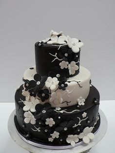 black & white cake except with pink flowers