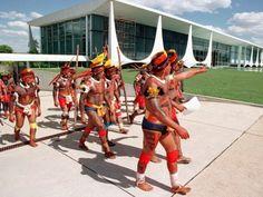 Amazônia News: Índios fazem manifestação em Brasília contra a construção de Belo Monte .