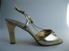 Gold Italian Leather Shoes #vintage #shoes #gold #1970s #chain #wedding #leather @Etsy