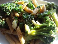 pasta with fresh broccoli & spicy cashew pesto #fall fest