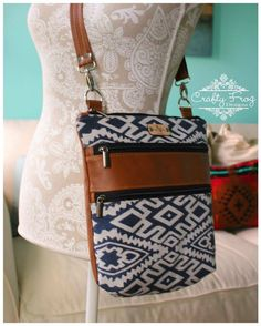 This is a nice basic pattern for beginners or even advanced bag makers. Embellish and alter The Triple Zip to your heart's desire.The three panels allow for m