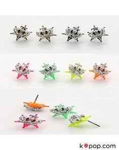 K2POP - STAR JEWELRY ( TEEN TOP ) CROWN STAR EARRING Star Jewelry, Gems Jewelry, Cute Jewelry, Geek Glasses, Big Dipper, Star Earrings, Kpop, Ursa Major