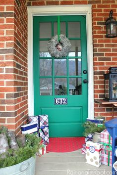 Red, Green, and Navy Christmas Home Tour Part 1 (This is the post where I lie to you.)