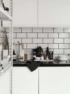 The kitchen in the beautiful home of Josefin Hååg | 20 kvadrat | Photo Kristofer Johnsson for Residence Magazine