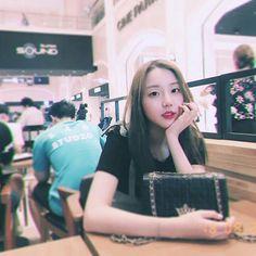 K Beauty, Bias Wrecker, K Idols, Kpop Girls, Polaroid Film, Women's