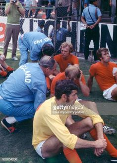 England manager Sir Alf Ramsey talking to Francis Lee prior to extratime in the FIFA World Cup quarter final match between West Germany and England. Bobby Moore, Stock Pictures, Stock Photos, Football Photos, Bbc Broadcast, World Football, Fifa World Cup, Soccer, Historia