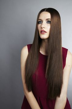 #zuzanaritchie #zuzanaritchiemakeup #makeup #model #longhair #straighthair #burgundydress #beauty #brunette #photoshoot