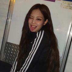 girls icons — like or reblog if you save. 💘 Kim Jennie, Blackpink Photos, Girl Photos, Girls Dp, Kpop Girls, South Korean Girls, Korean Girl Groups, Selfies, Blackpink Icons