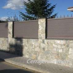 Verja Moderna Compound Wall, Rest House, Fence Gate, Fences, Modern Fence, Iron Gates, Outdoor Living, Outdoor Decor, Concrete Wall