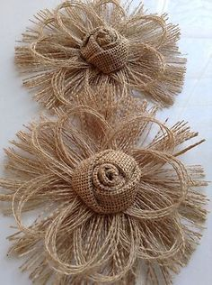 Flower Crafting Burlap, hemp, jute - all great materials for flower making Burlap Flowers, Burlap Lace, Felt Flowers, Diy Flowers, Fabric Flowers, Paper Flowers, Wreath Burlap, Wedding Flowers, Brown Flowers
