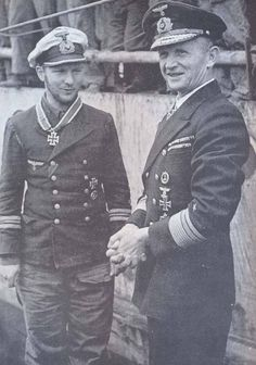 Vizeadmiral Karl Dönitz on 26 May, 1941 with Kapitänleutnant Herbert Wohlfahrt (U-556).