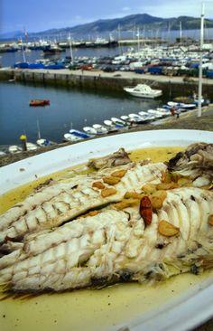 #EuskadiGastronomika plato de pescado en puerto de Getaria Besugo.
