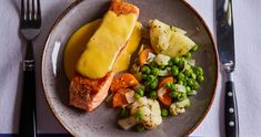 Lazac hollandi mártással | Street Kitchen Salmon, Curry, Food And Drink, Chicken, Meat, Gastronomia, Kitchens, Curries, Atlantic Salmon