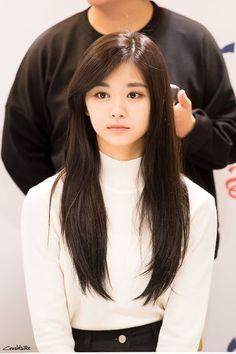 Twice - Tzuyu Korean Beauty, Asian Beauty, Twice Tzuyu, Chou Tzu Yu, Tips Belleza, Jung Kook, Beautiful Asian Girls, Nayeon, Straight Hairstyles