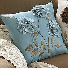Such a cute pillow! Also comes in brown w/ ivory flowers and ivory back w/ brown flowers