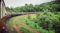 Going round the bend #OldPhotos #KurandaScenicRailway #Train #Kuranda #Cairns #Queensland #Australia #Y2011