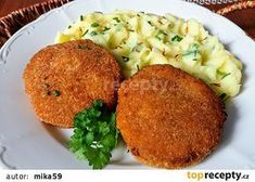 Karbanátky z mletého masa a květáku recept - TopRecepty.cz Slovak Recipes, Czech Recipes, Ethnic Recipes, Bon Appetit, Baked Potato, Great Recipes, Mashed Potatoes, Cauliflower, Food To Make