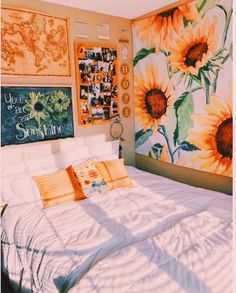 70 Amazing and Cute Aesthetic Bedroom Design Ideas 70 Amazin Dream Rooms, Dream Bedroom, Girls Bedroom, Diy Bedroom, Summer Bedroom, Bedroom Themes, Modern Bedroom, Cute Bedroom Ideas, Bedroom Inspo