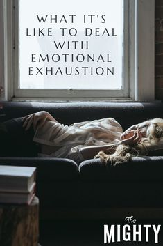 A woman describes what it's like to have emotional exhaustion, and what symptoms to be on the lookout for. Chronic Fatigue, Chronic Pain, Fibromyalgia, Chronic Illness, Emotional Abuse, Emotional Stress, Mental Health Conditions, Mental Health Matters